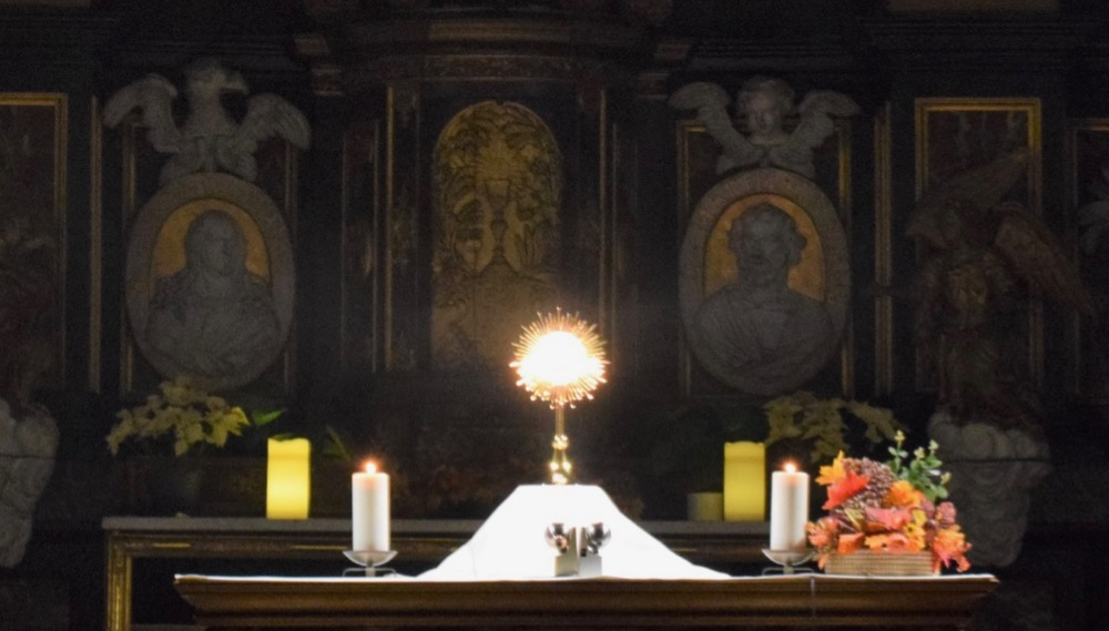 Holy Hour : elke woensdagavond