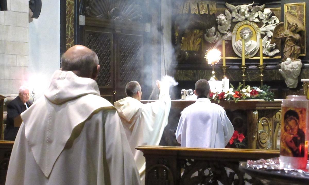 Zondag 21 juni 2020 : Mariaprocessie, gezongen avondgetijden, stille Eucharistische Aanbidding om 17u