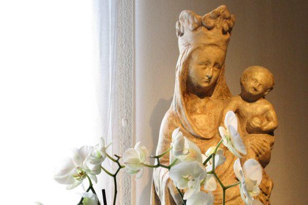 Op 9 februari viert de Vlaamse Karmel haar patroonsfeest O.L.Vrouw, Koningin van Vrede